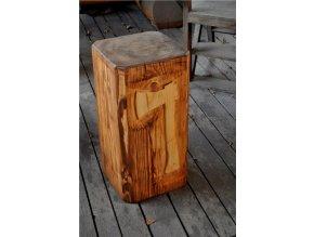 Dřevěný špalek na štípání dřeva