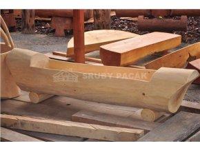 Dřevěné koryto bez zdobení