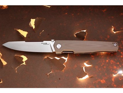 Mr.Blade Pike Tan 01