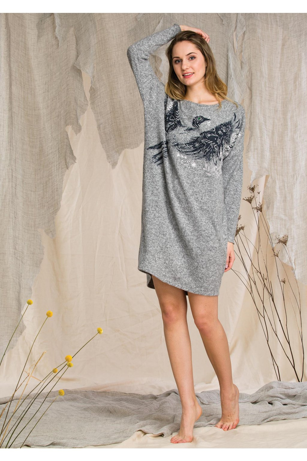 sweterkowa sukienka homewear z grafika ptaka lhd 211 1