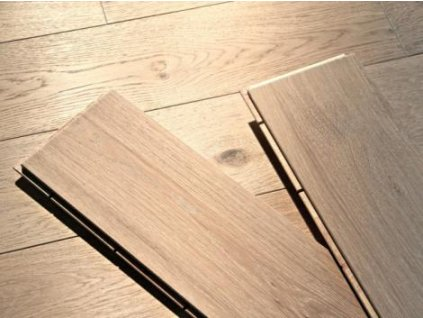 Dřevěná podlaha - Dub white prkno (Strawberry parkett) - dvouvrstvá