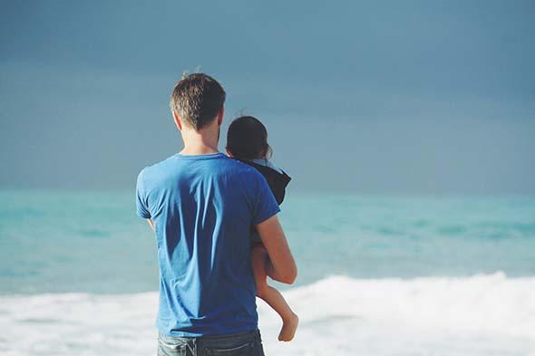 Kdy se začal slavit Den otců a co letos tatínkovi dáte jako dárek?