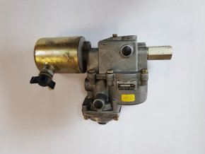 Automatický zátěžový regulátor Karosa ř. 700 - novější typ (zadní)