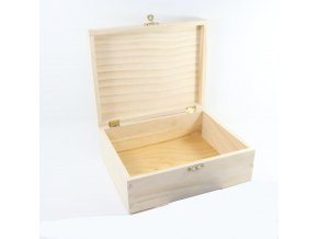 Obdélníková dřevěná krabička s uzávěrem (20 x 16 x 7 cm)