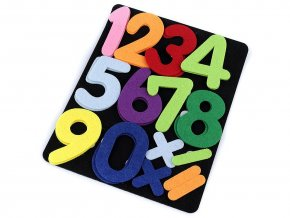 Filcová tabulka s číslicemi