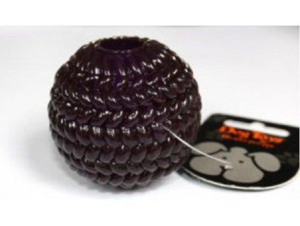 míček trp na pamlsky