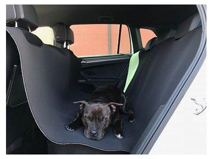 deka pro psy a kocky do auta cerna prd 633 8