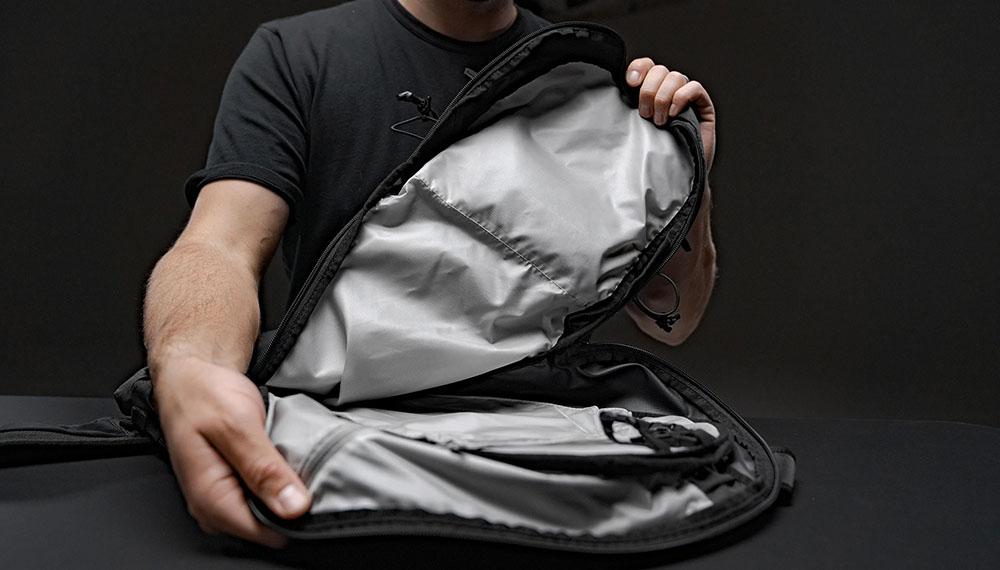 Matador Beast 18 skladací vodeodolný technický batoh vnútri