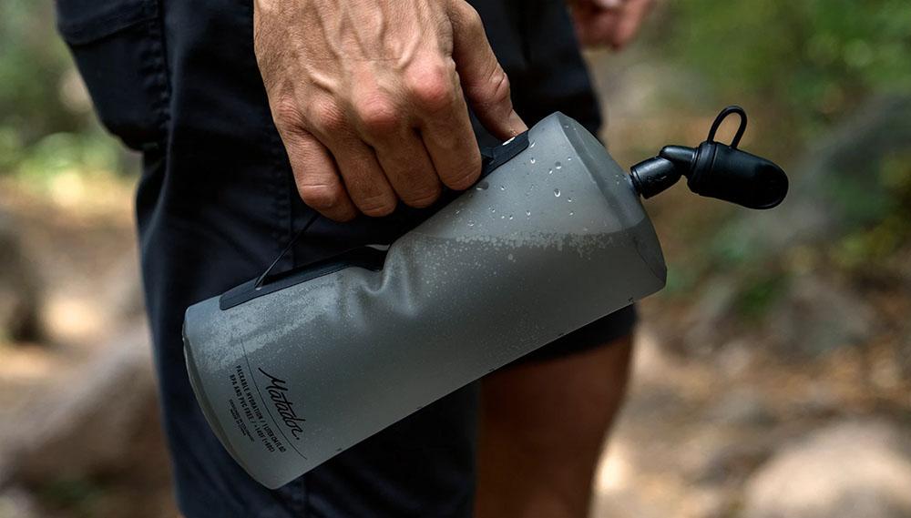 skladacia cestovná fľaša držiak lifestyle