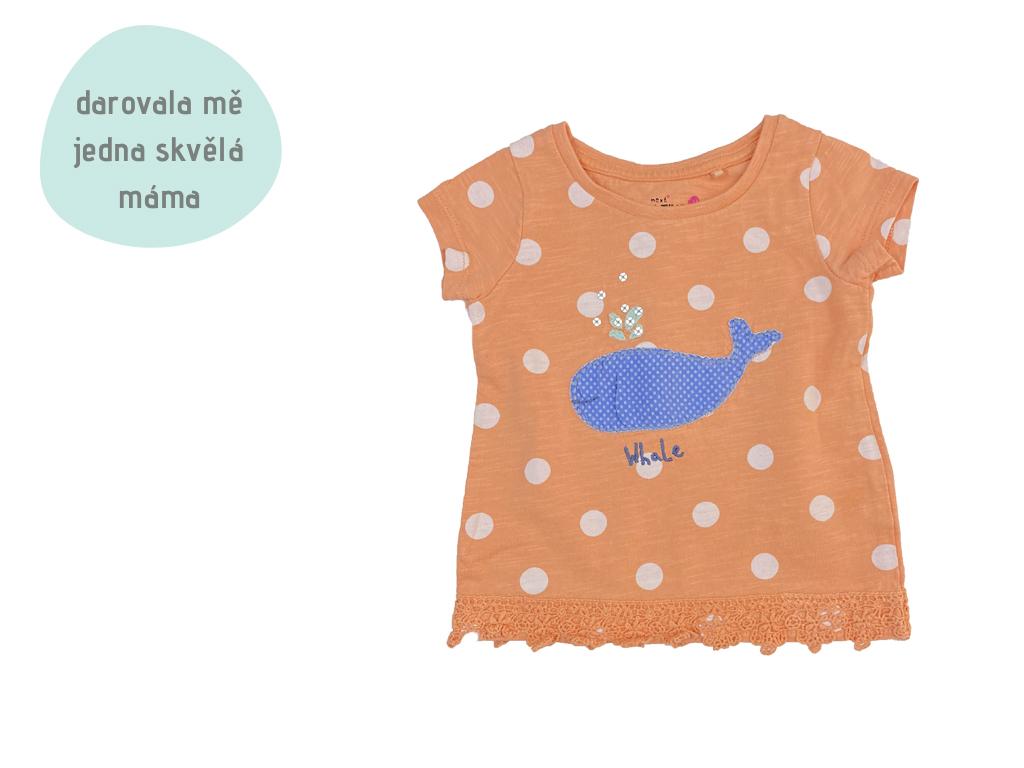 puntíkaté tričko s velrybou