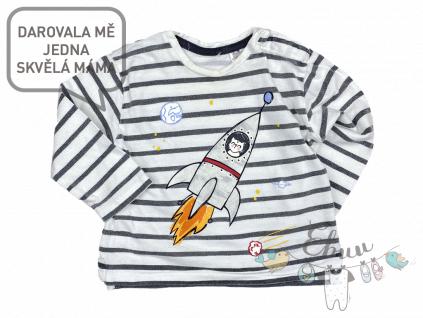 pruhované tričko s raketou