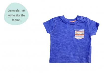modré tričko s kapsičkou