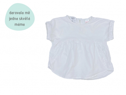 bílé nabírané tričko