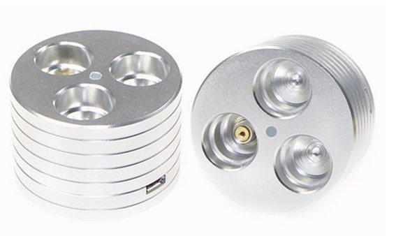 Stojánek na eGo cigarety s nabíječkou USB Barva: Stříbrná, Materiál: Hliník