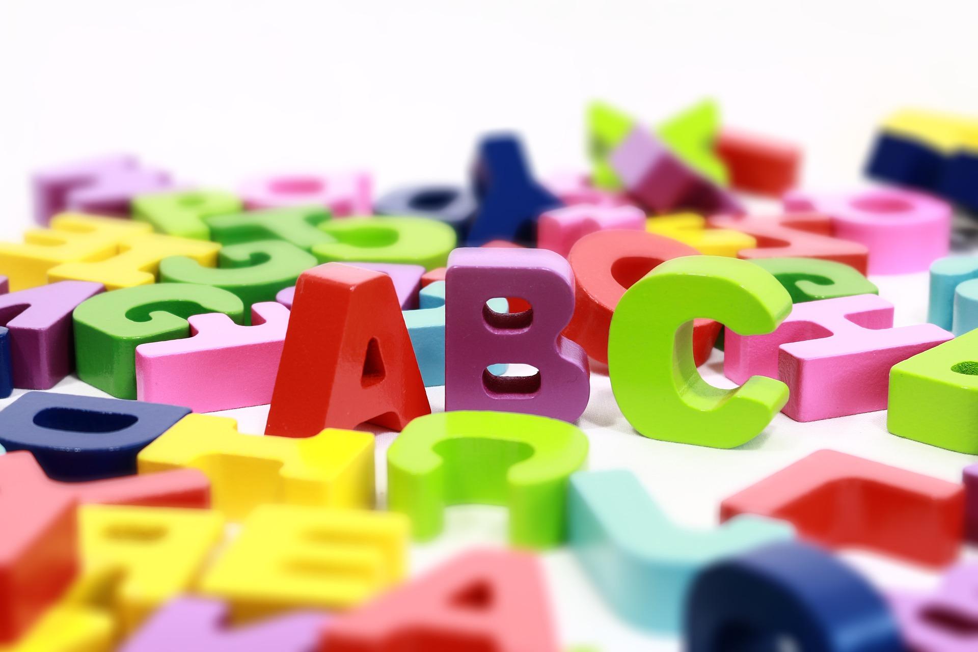 Víte, kde máte napsat velké písmeno?