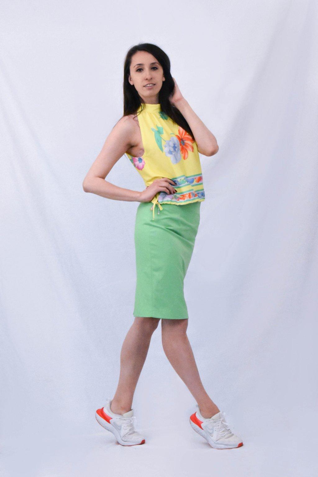 zelená sukně bok