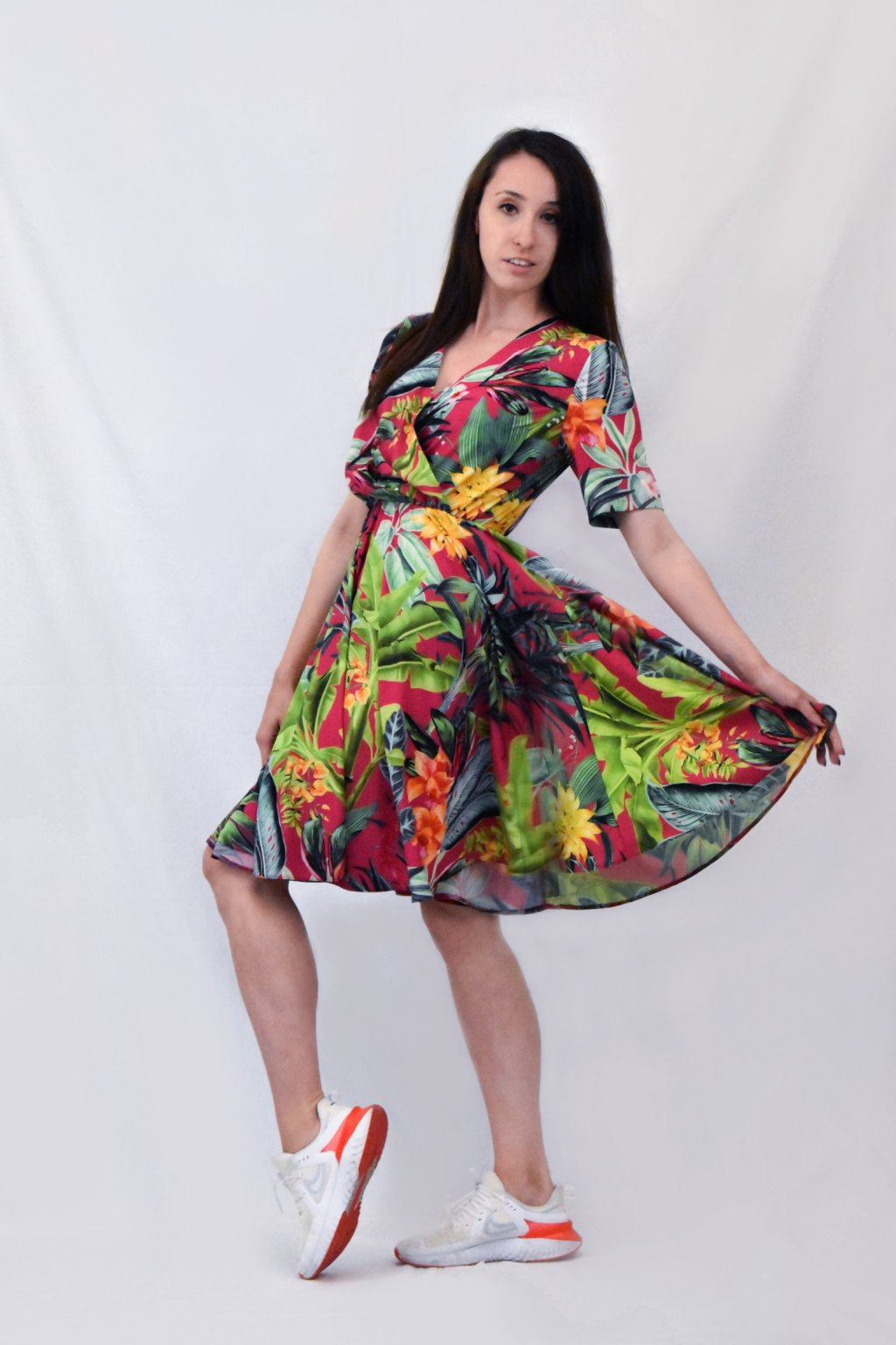barvné šaty bok 01
