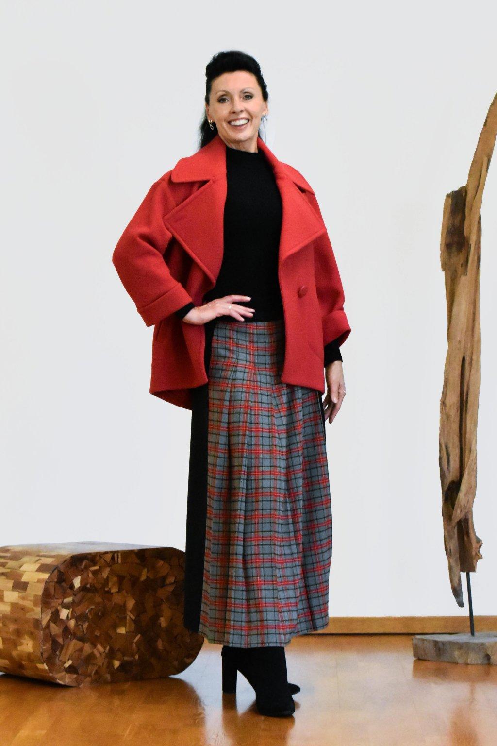 Červený kabátek z pařené vlny