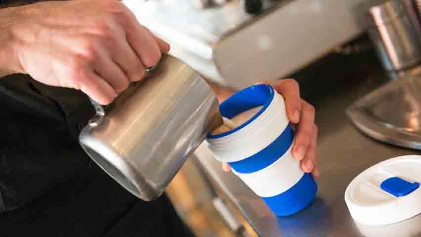Poháre na kávu, ktoré vám dajú viac než dúšok obľúbeného nápoja