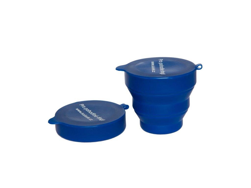Niebieski pojemniczek do dezynfekcji