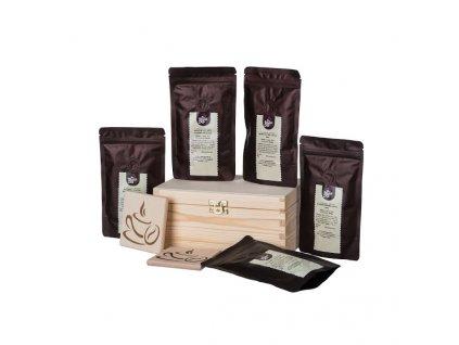 darkova drevena krabicka kavy z ruznych koutu sveta