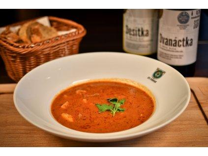 Gulášová polévka z hovězího krku s čerstvou majoránkou