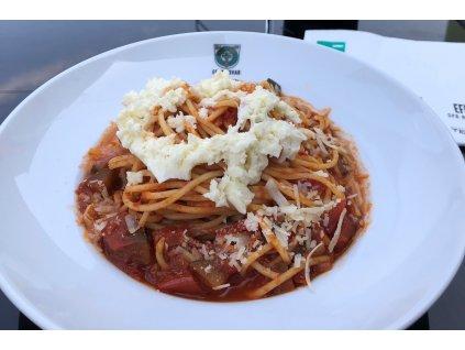Špagety s rajčaty, cuketou a mozzarellou 3