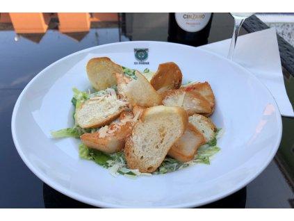 Caesar salát s grilovaným kuřecím masem 2