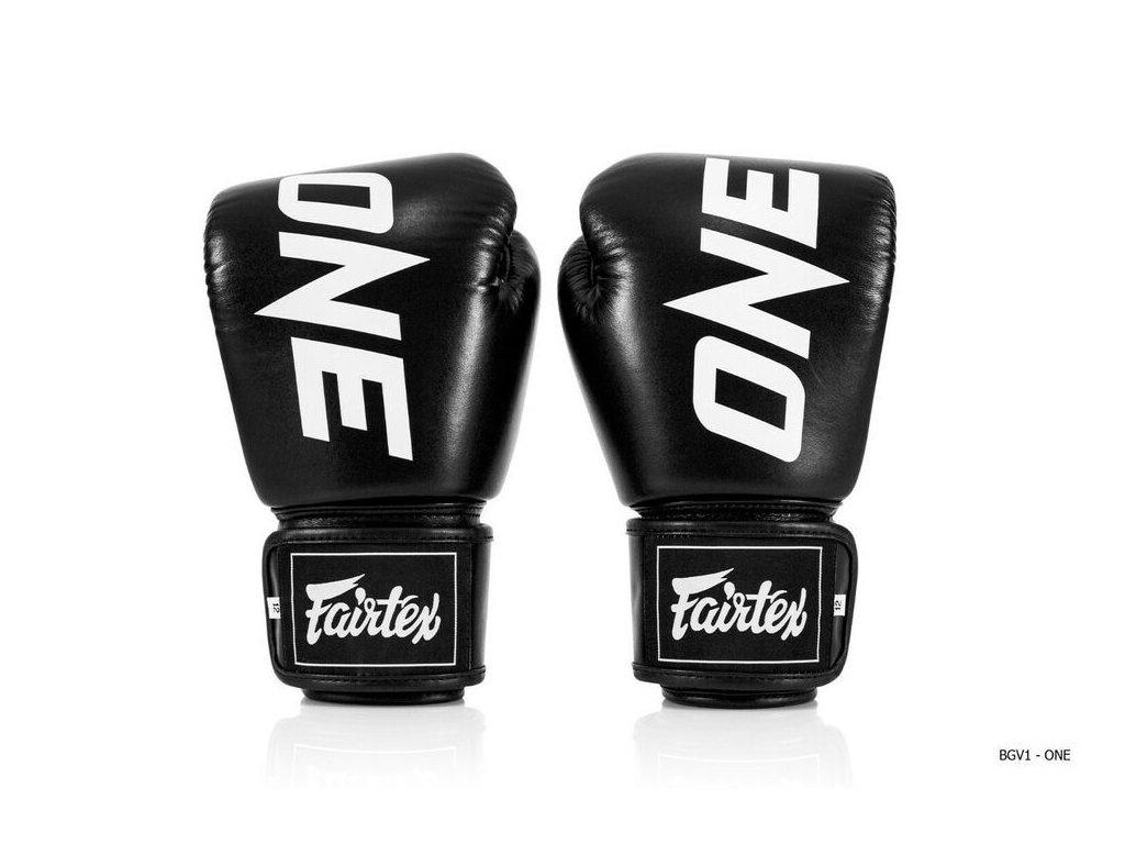 Boxerské rukavice Fairtex ONE Limited - černá barva