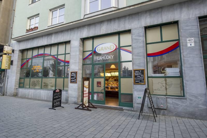 Podniková prodejna Grand - Nám. E. Husserla 1641/9, Prostějov 796 01