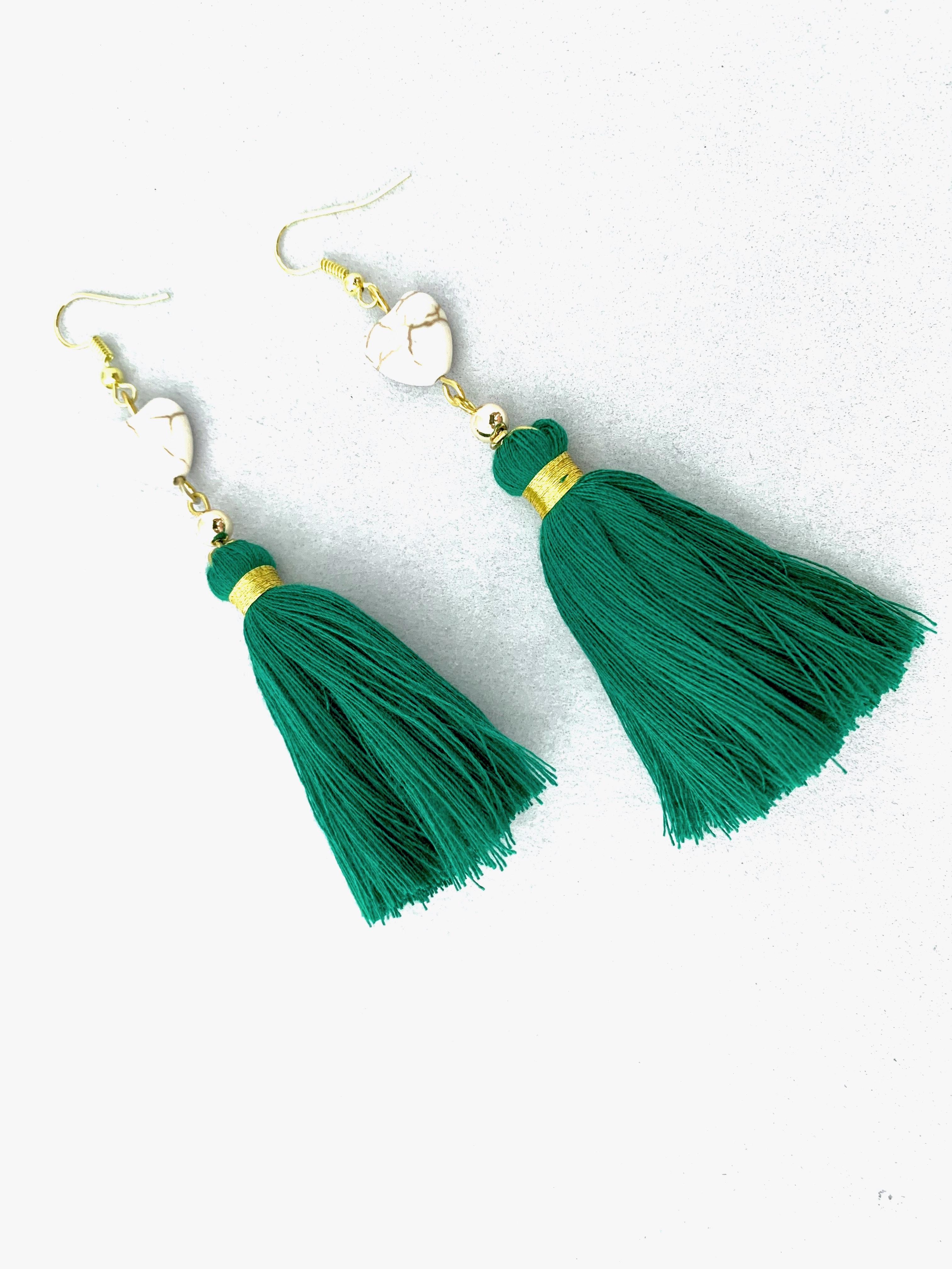 Strapcové handmade náušnice so srdiečkom - zelené
