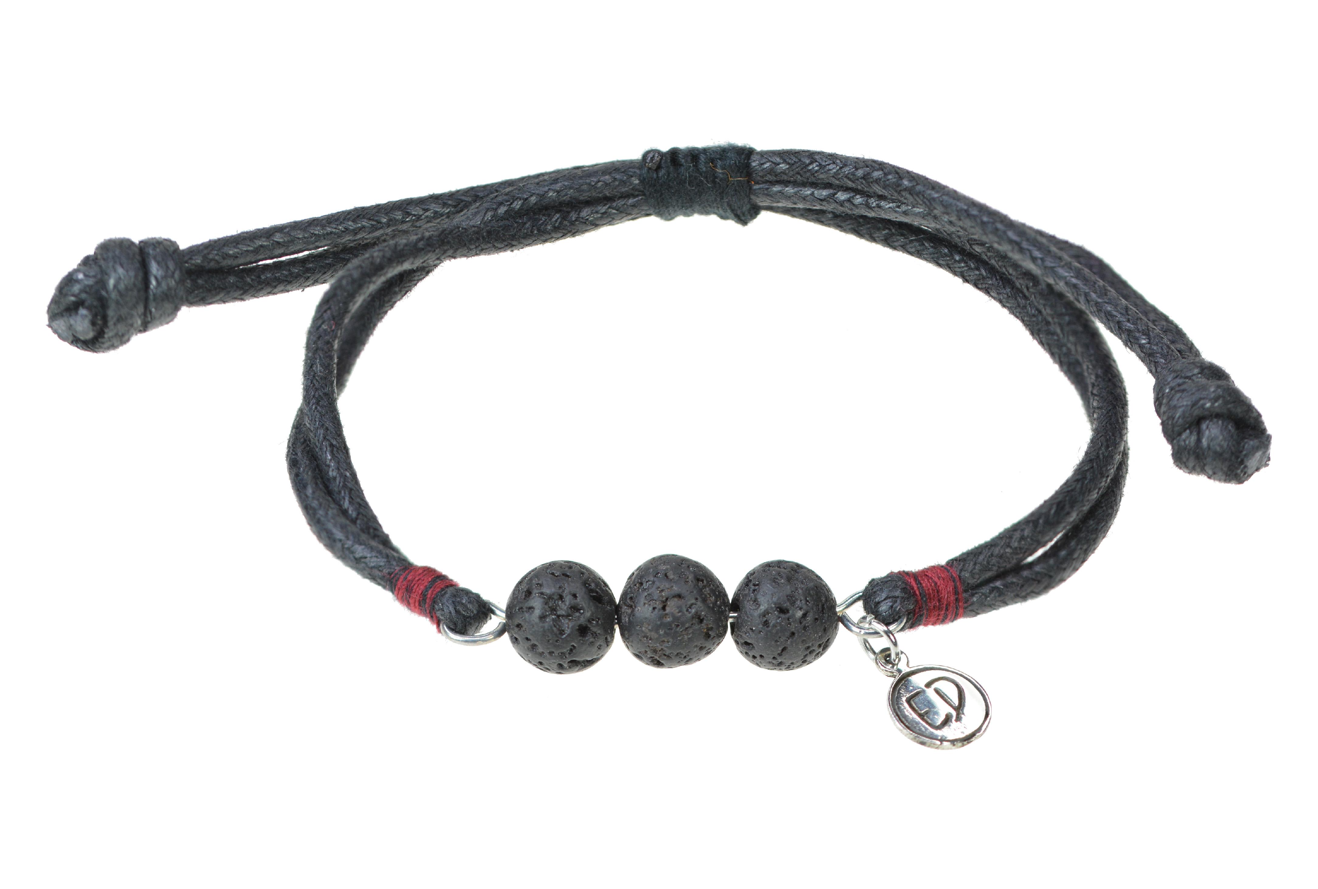 Pánsky náramok s lávovými kameňmi a červenou bavlnenou nitkou