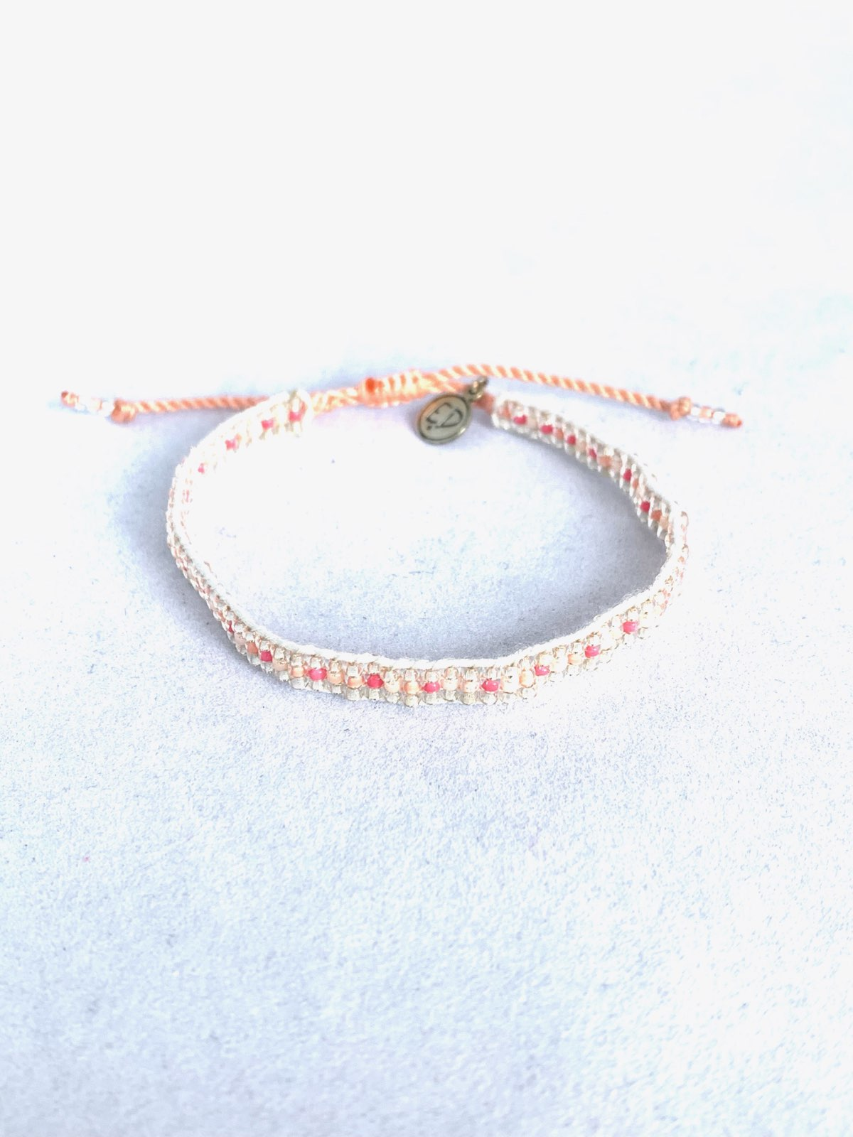 Dámsky náramok z japonského rokajlu - koralový