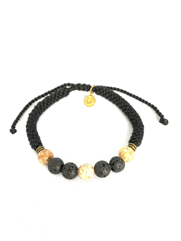Pánsky pletený náramok s lávovými kameňmi - čierny