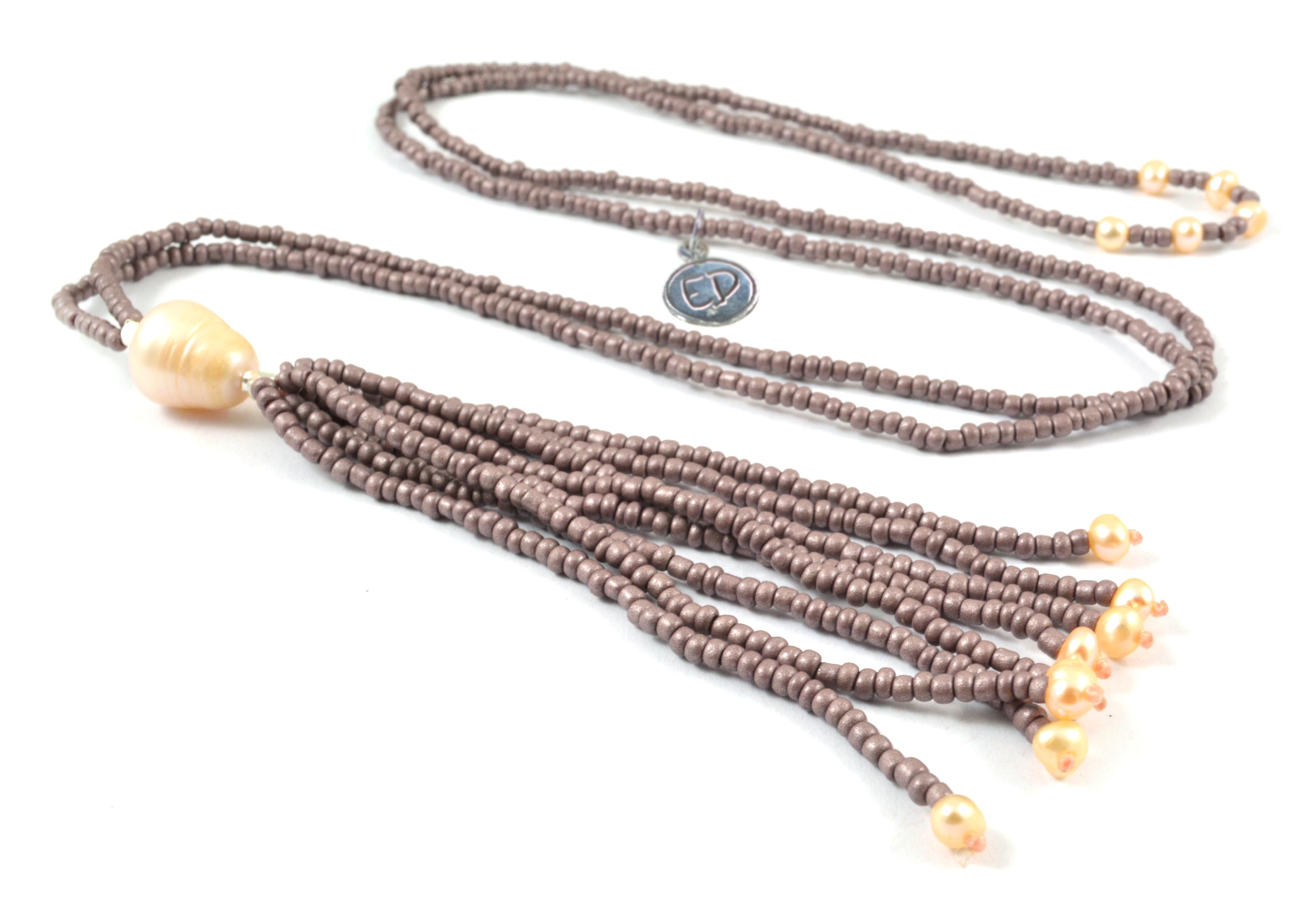 Dámsky korálkový náhrdelník z japonského rokajlu a perál -fialkový