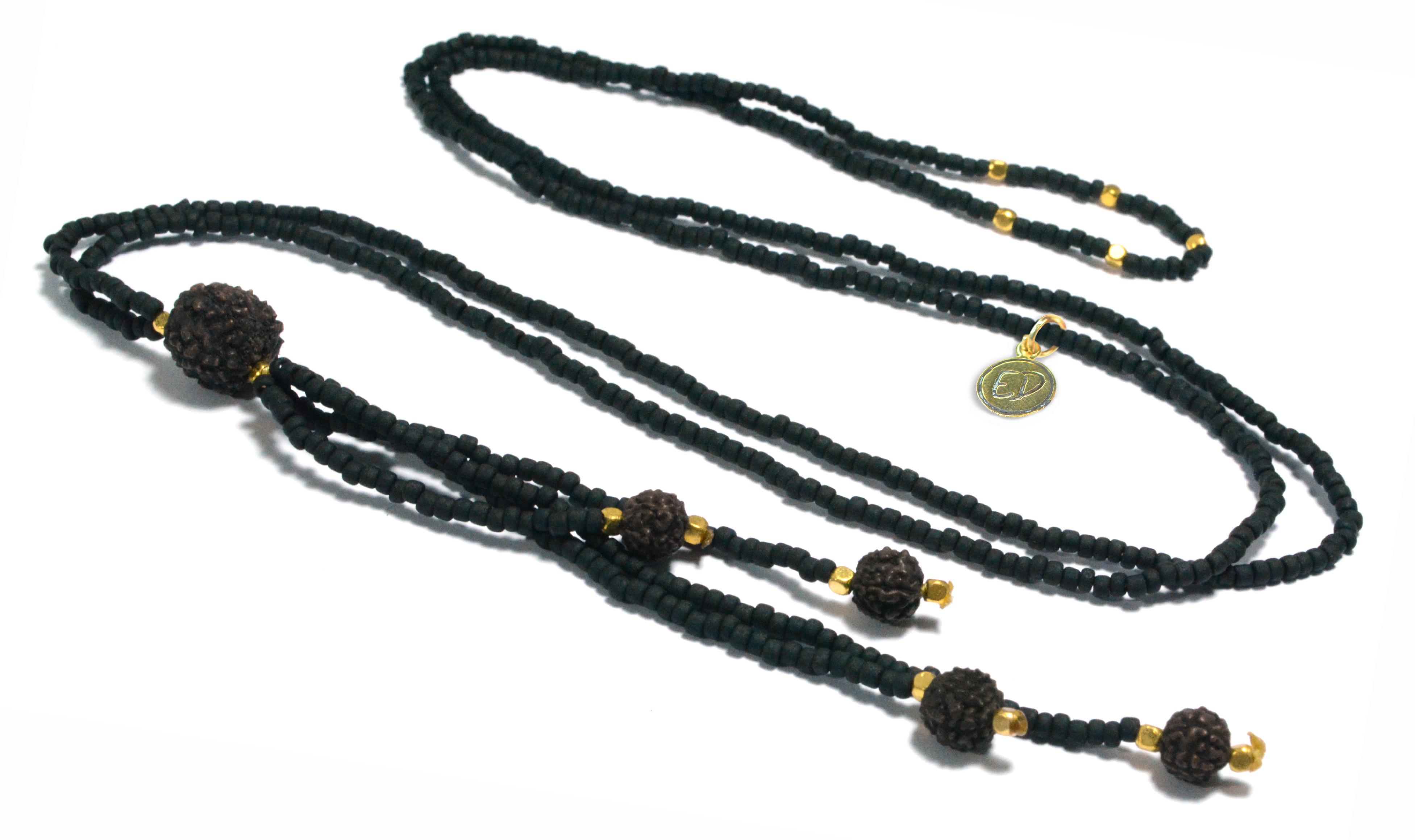 Dámsky prírodný náhrdelník z japonského rokajlu a rudrakshy - čierny