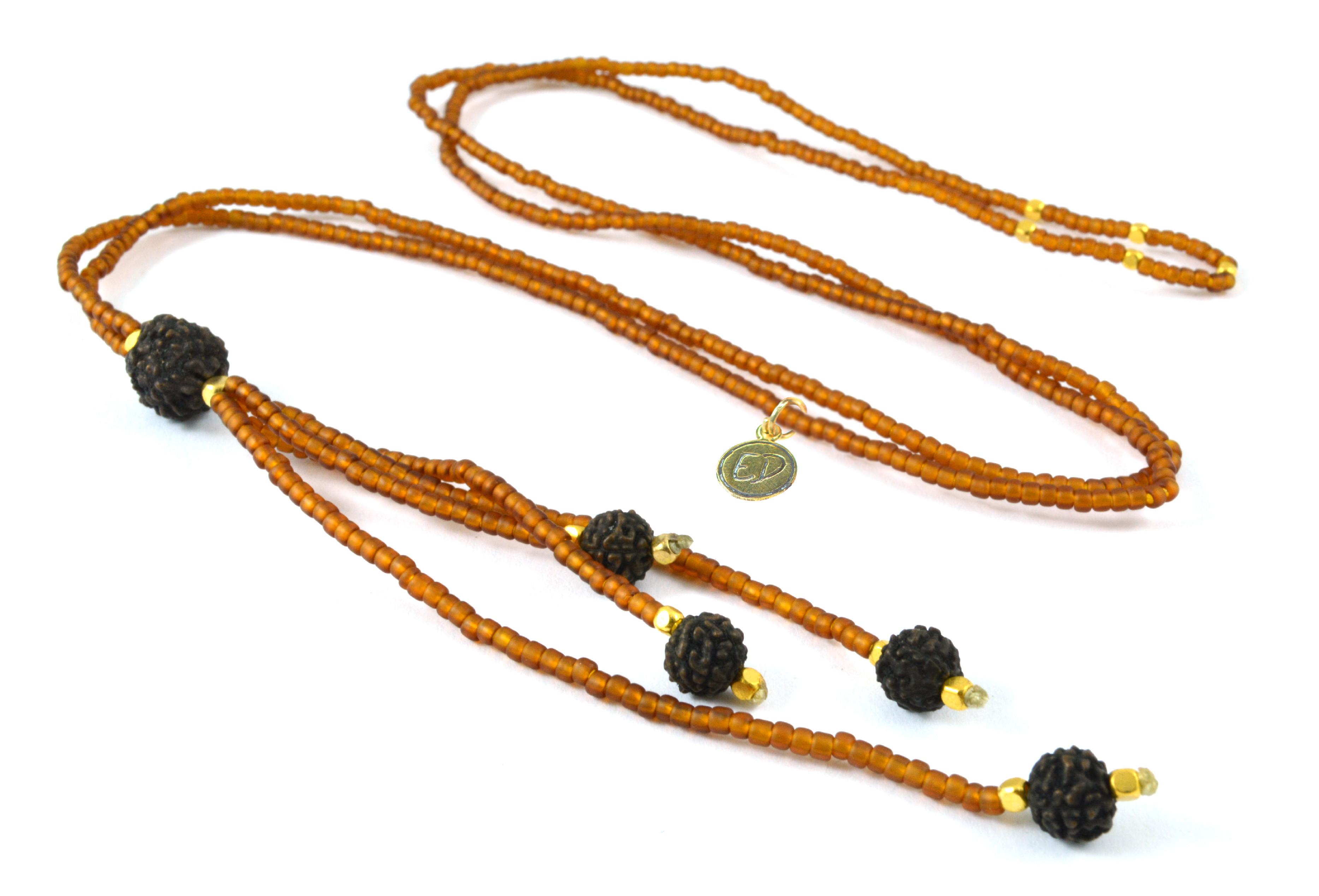 Dámsky prírodný náhrdelník z japonského rokajlu a rudrakshy - hnedý