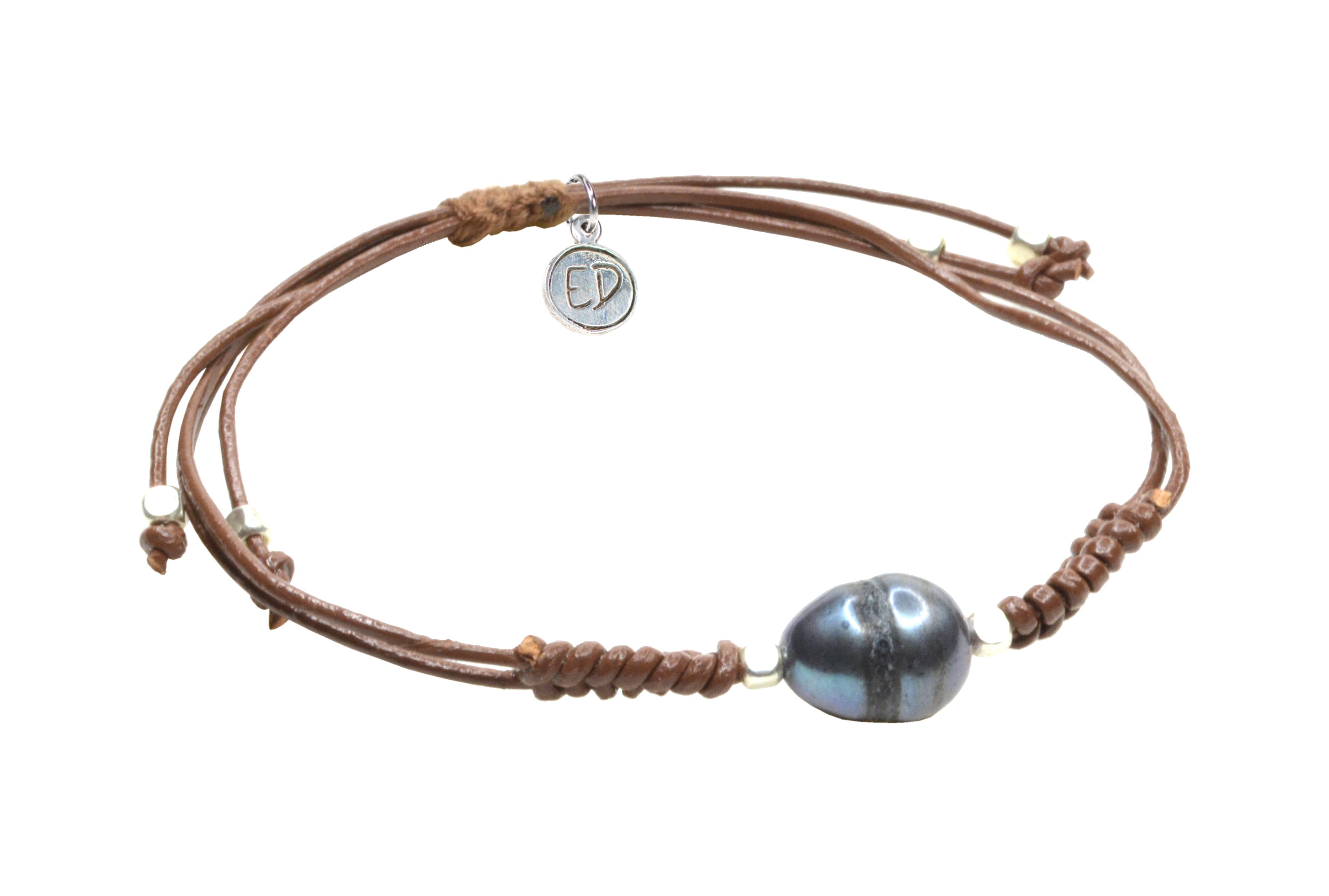 Dámsky kožený náramok s perlou - hnedý