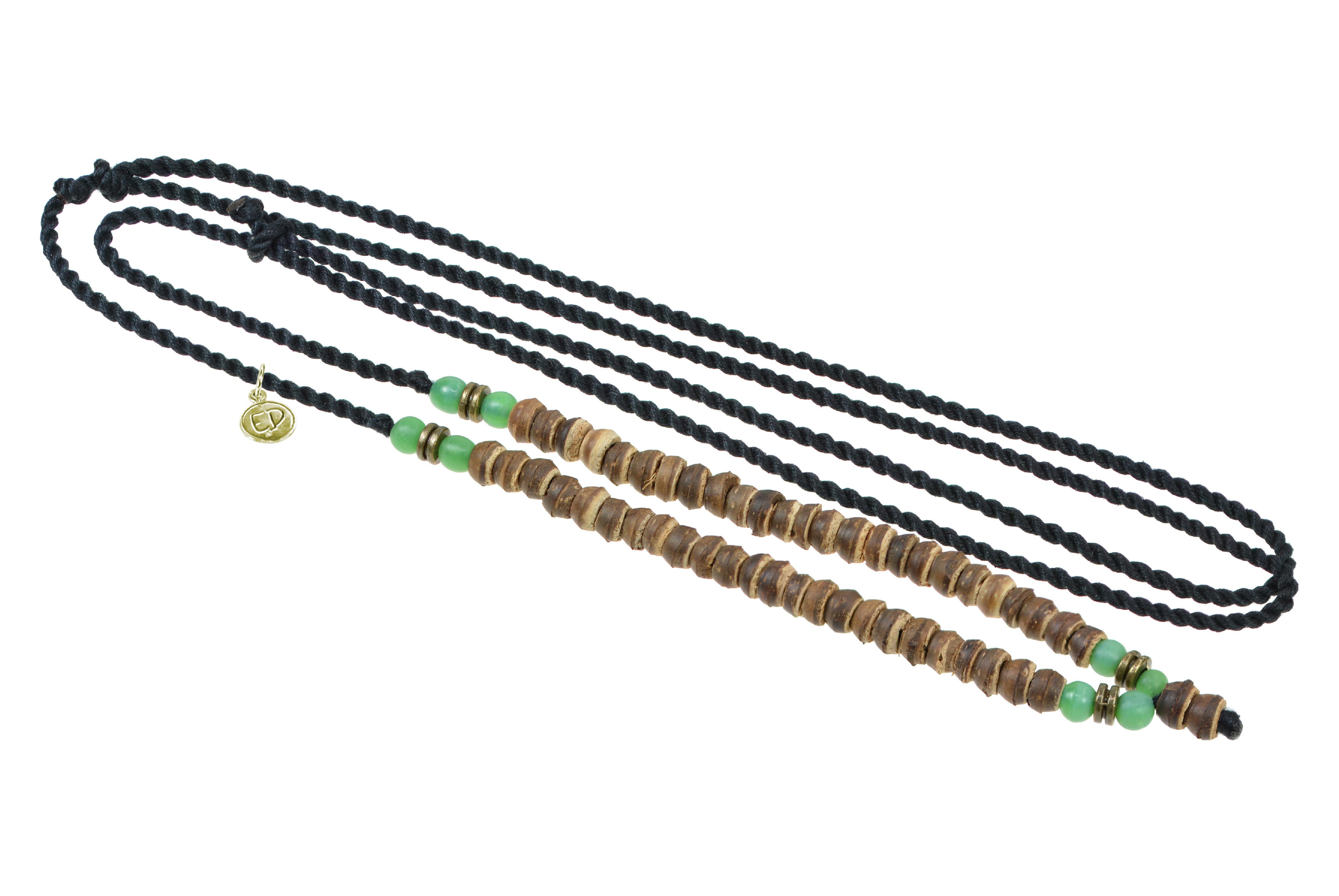 Unisex pletený náhrdelník s drevenými a jávskymi korálkami - zelený