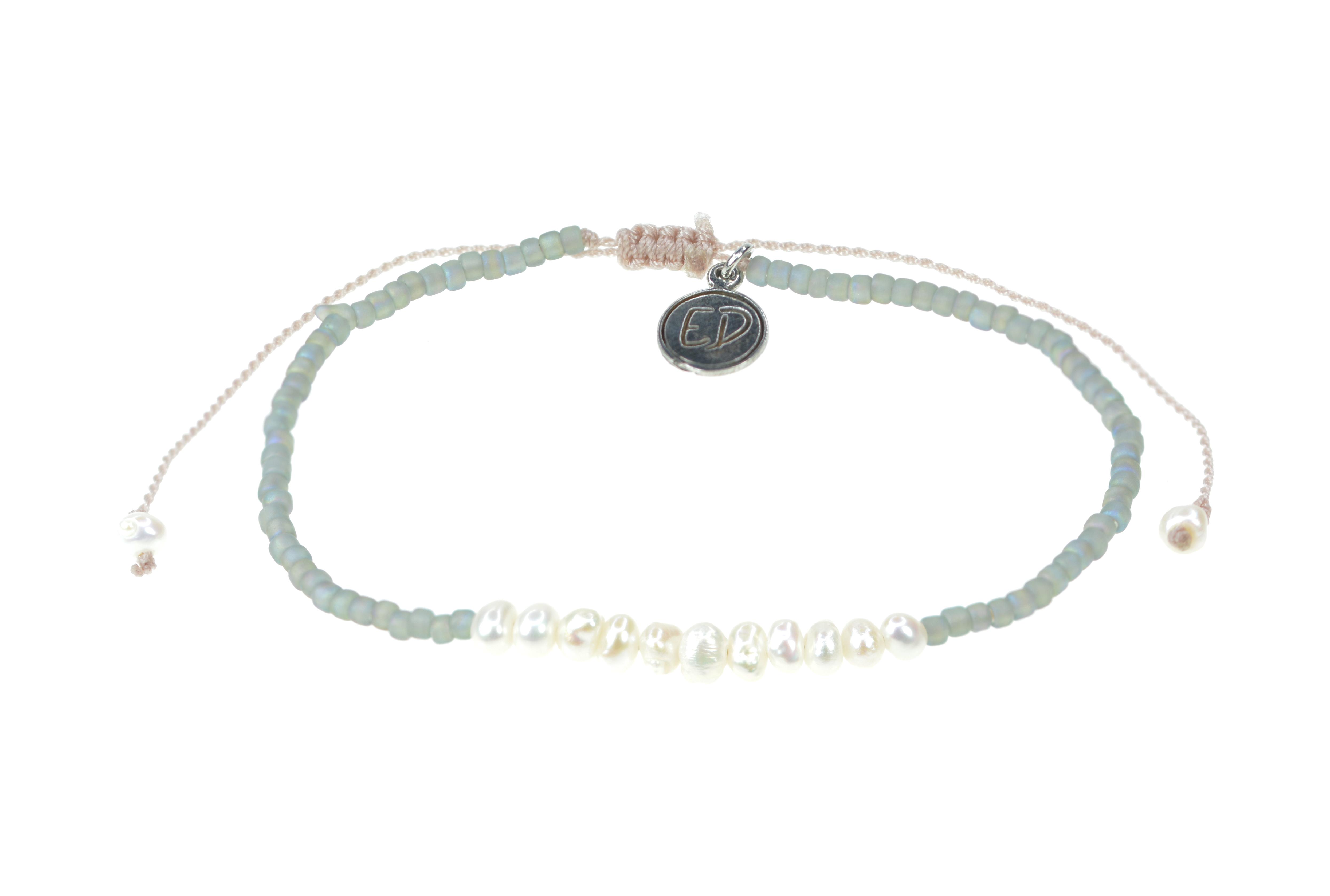 Náramok z japonského rokajlu s perličkami - sivý