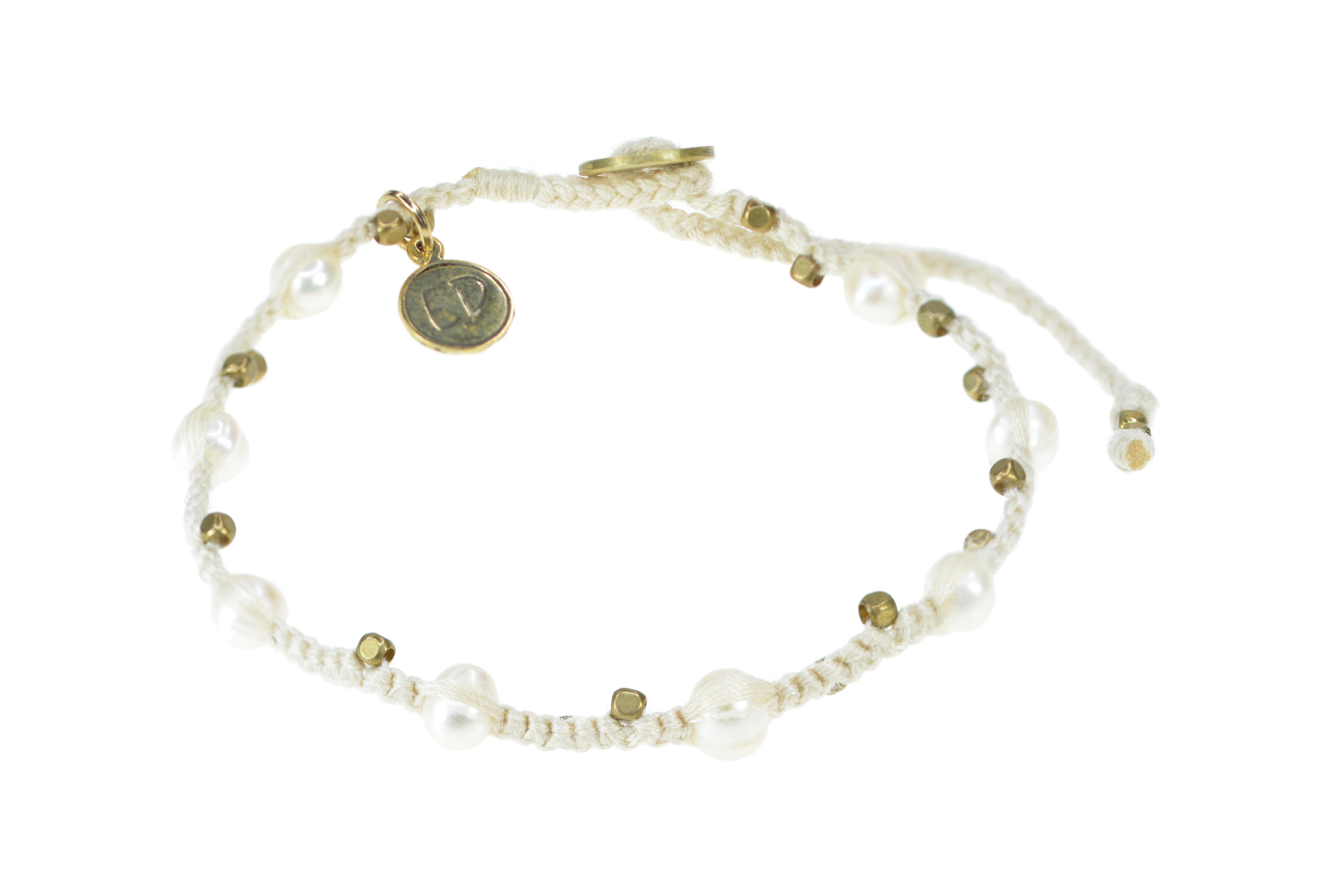 Pletený perlový náramok - krémový