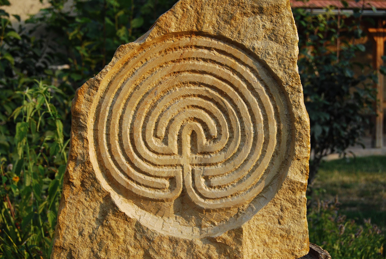 Kamenné reliéfy k prodeji