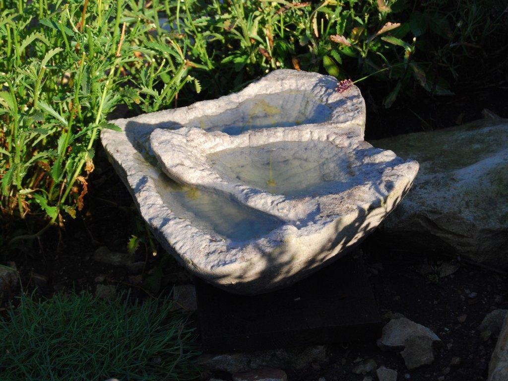 Pítko ze staršího(recyklovaného) pískovce - střední