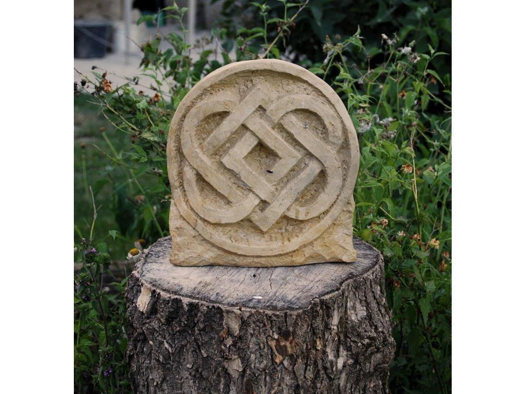 Kamenný reliéf z opuky Keltská smyčka