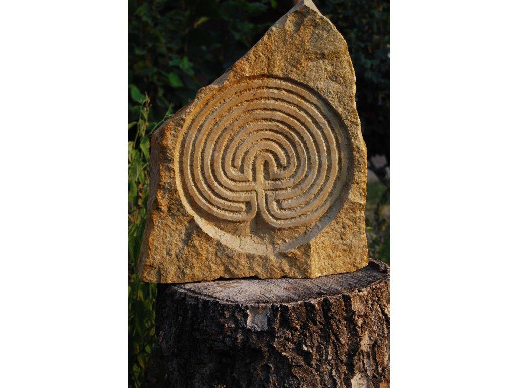 Kamenný reliéf z opuky - Labyrint