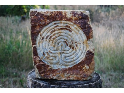 Kamenný reliéf z opuky