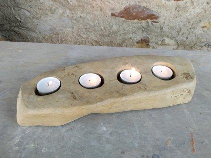 Kamenný svícen - adventní