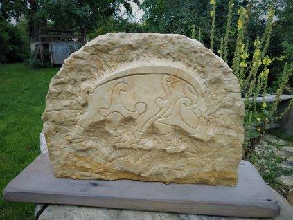 Kamenný reliéf - keltský kanec