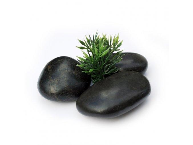 trava s kameny 800x800