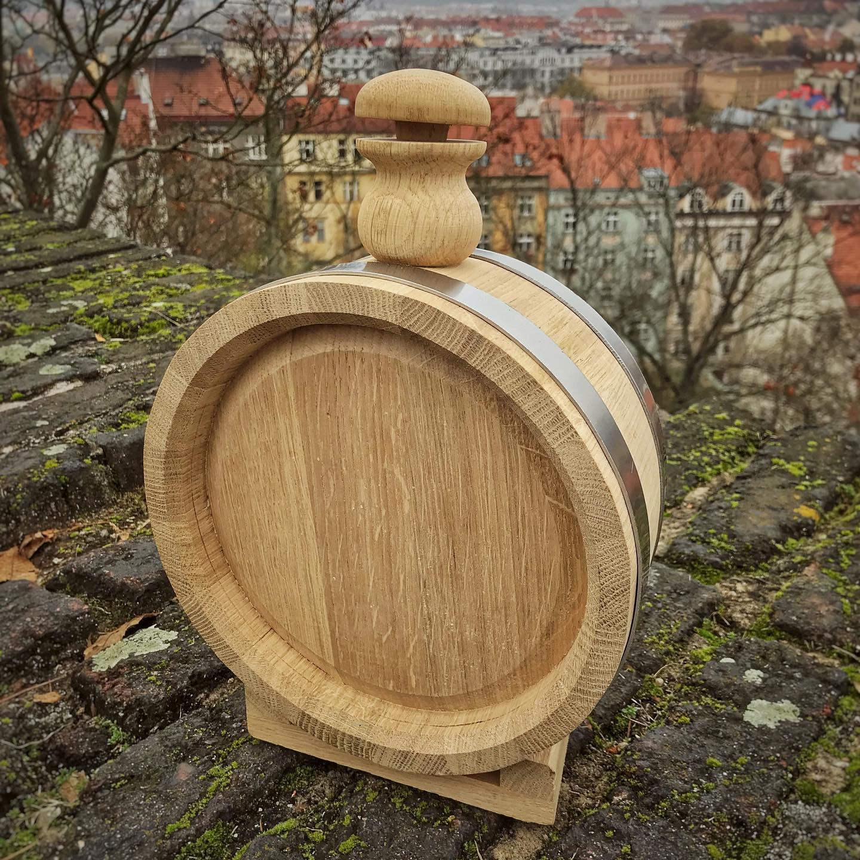 Dřevěné sudy pro přípravu alkoholických nápojů